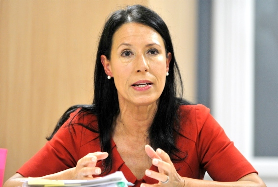 DEBBIE ABRAHAMS . . . �A ridiculous situation�