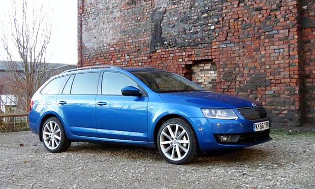 oldham news | reviews news | skoda octavia estate se sport 1.4 tsi
