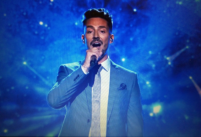 Stuart Beech sings on Michael McIntyre's BBC show on Saturday night