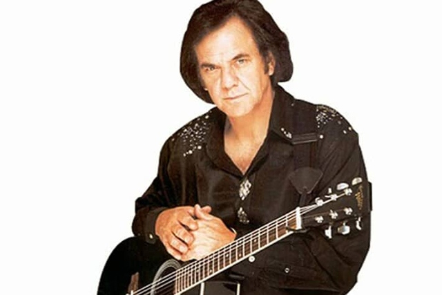 Rob Leigh will be performing his awesome Neil Diamond tribute show at the Cotton Rooms on Saturday