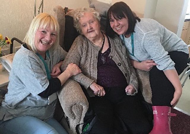 Oldham Council staff battle the blizzards to reach a 90-year-old woman in Diggle