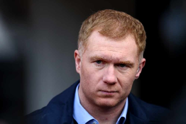 Man Utd legend Scholes cleared for Oldham job