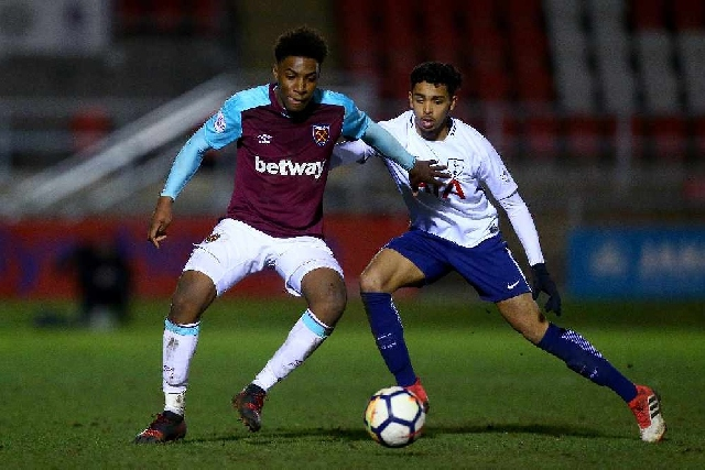 Oladapo Afolayan while playing for West Ham United