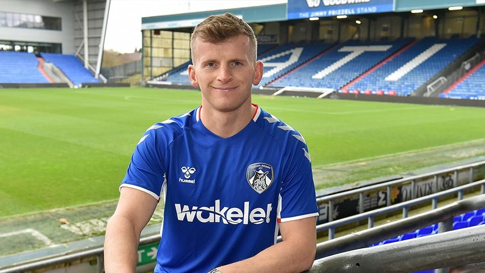 Oldham News Latics Oldham Athletic Sign New Striker Danny Rowe Oldham Chronicle