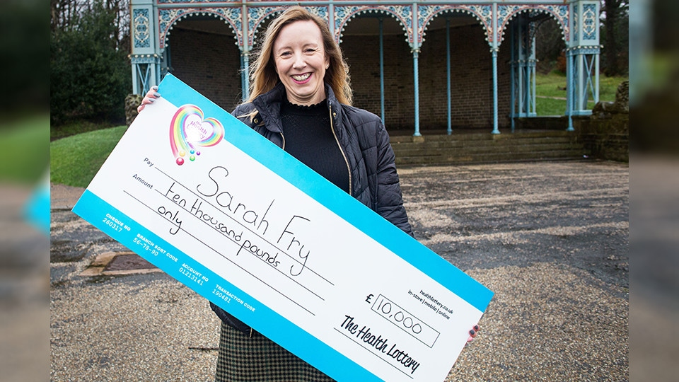 An Oldham woman has scooped ten grand in the Health Lottery