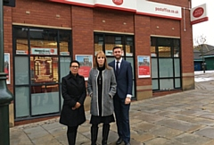 MPs Jim McMahon, Debbie Abrahams and Angela Rayner pictured outside the Oldham town centre post office