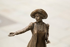 Sculptor Hazel Reeves has created a statue of Emmeline Pankhurst